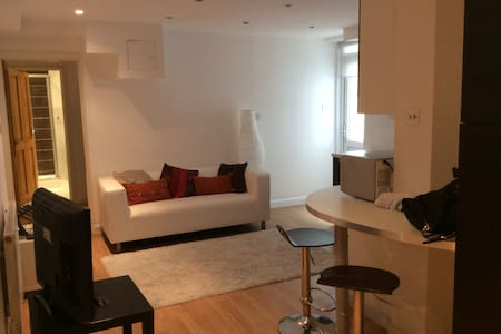 1 Bed flat Earls Court