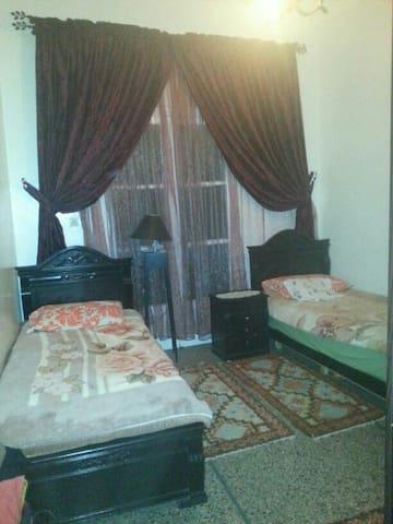 Belle chambre +un petit balcon - Casablanca - Huoneisto