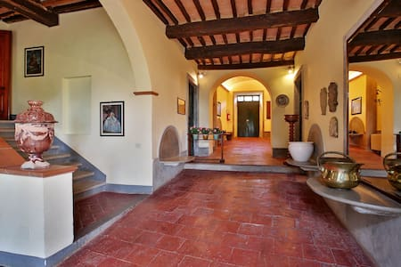 Historical Villa in Chiantishire - Poggibonsi
