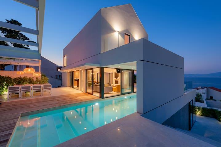 Luxury sea view villa Cypres