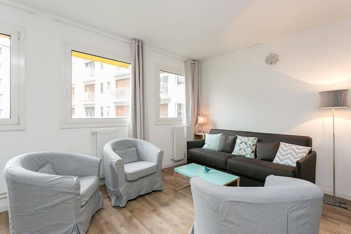 Sunny & quiet flat, 2 bedrooms, Eiffel Tower area
