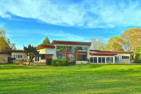 Mid-Century Modern Lake Estate: Bay & Beach - Norfolk