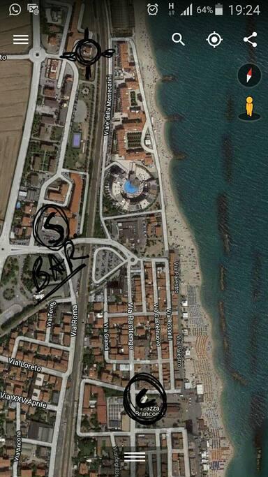 La piantina della zona ,con la S che indica la distanza dal mare
