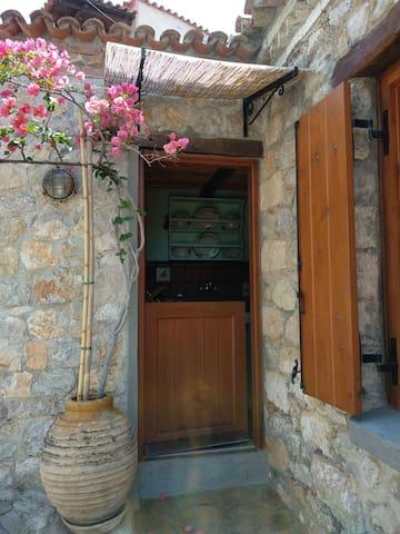 Παραδοσιακή κατοικία