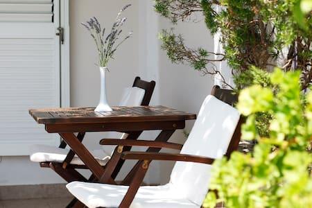 Charming app with terrace, sea view 2, island Hvar