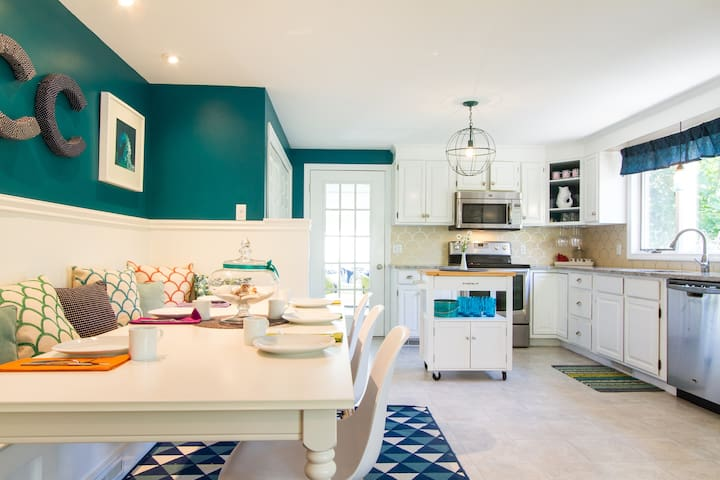 Bright Brewster Beach House - Brewster