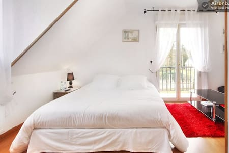 Les chambres du Lac. Nid d'amour - Bed & Breakfast