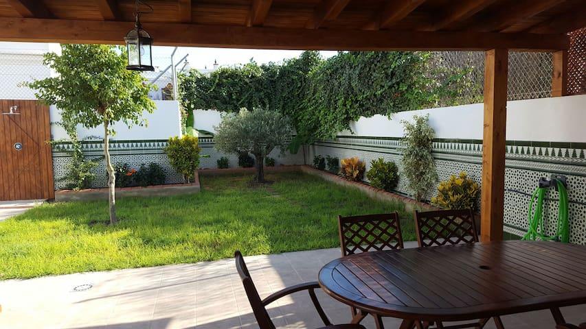 Casa con encanto patio espectacular - Chipiona - Casa