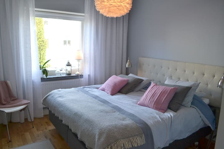 Spacious & newly renovated - only 10 min to town - Sävedalen - Apartment