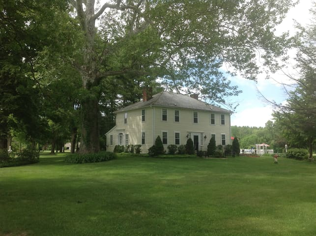 Buttonwood, Ashley Falls, Ma (see available rooms)