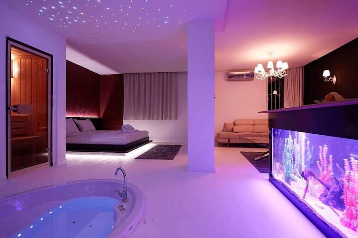 Villa Lumiere - Dazzling Lights Apartment