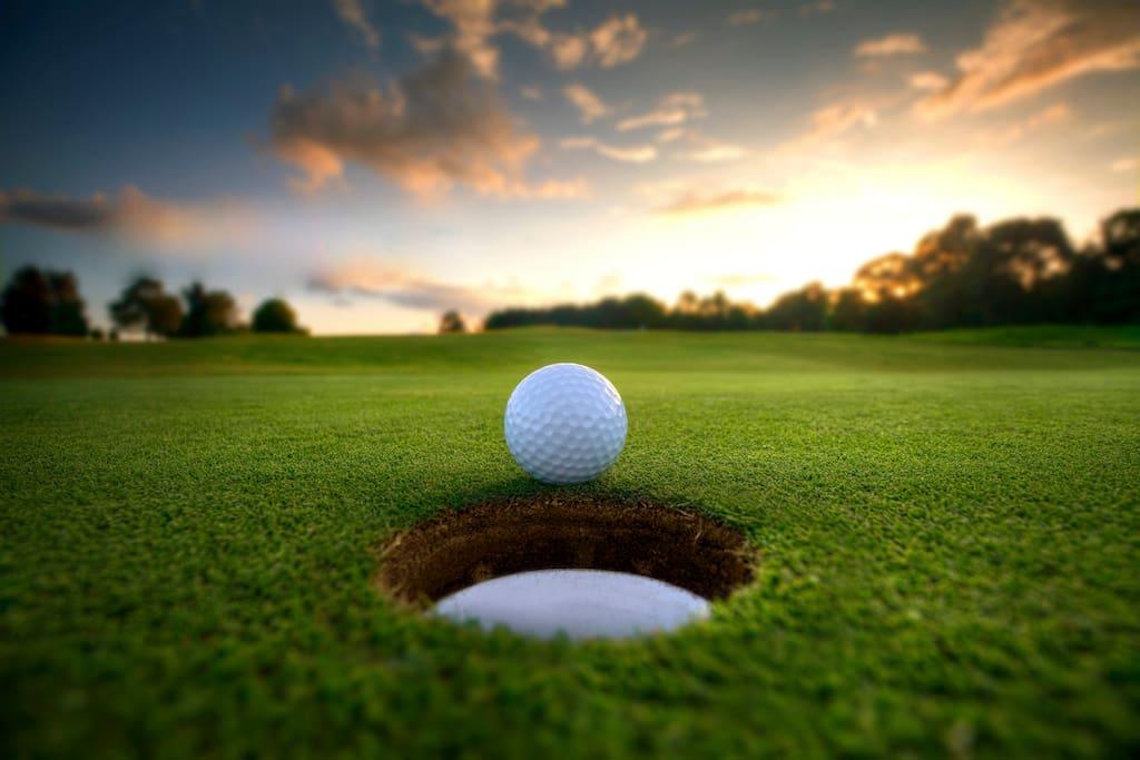 accès aux golfs à pied
