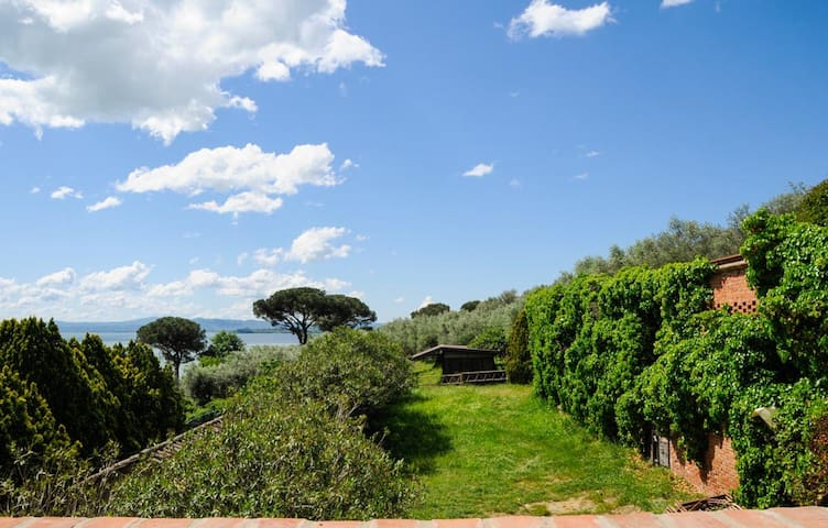 In the Heart of Umbria and Tuscany - Tuoro sul Trasimeno - Apartment