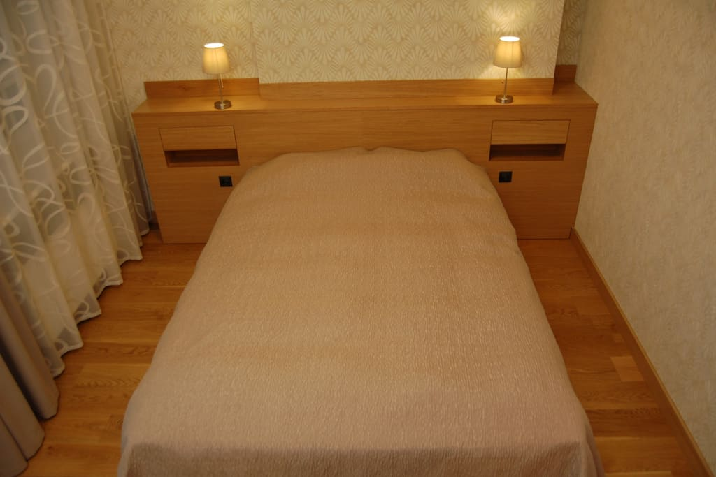 Extra long bed, 2.20 meters