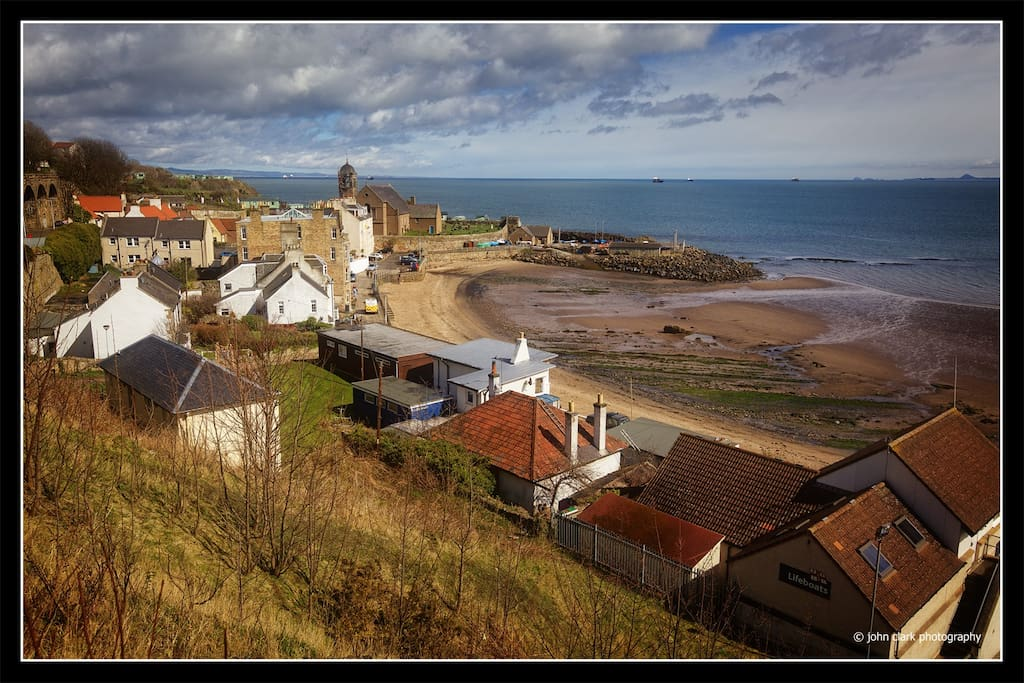 Kinghorn harbour, from the nearby cliff-top path.  Ideal for walking the dogs, and the Fife coastal path is nearby if you want a gentle walk either east or west...