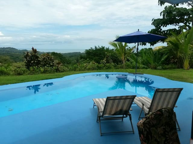 Casa Cereza, Ocean View with Pool! - Ojochal - 一軒家