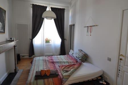 Cozy Apartament in Brussels - Leilighet