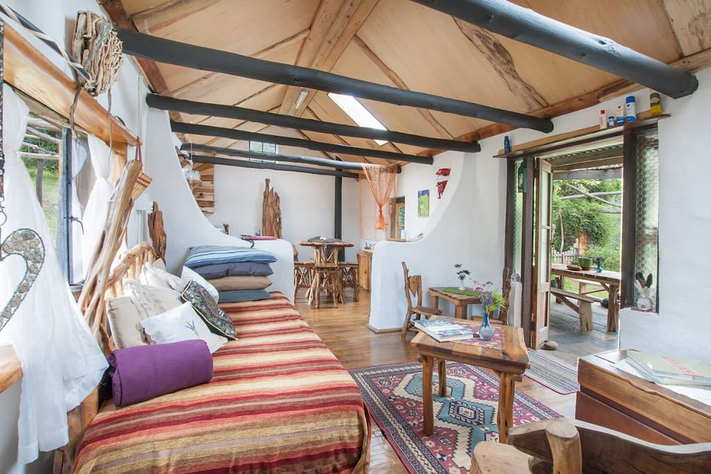 Cozy Lounge area, Veranda and open plan Kitchen.