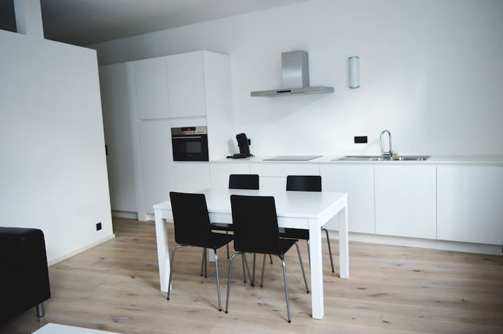 Charming City Centre Apartment - Antwerpen - Flat