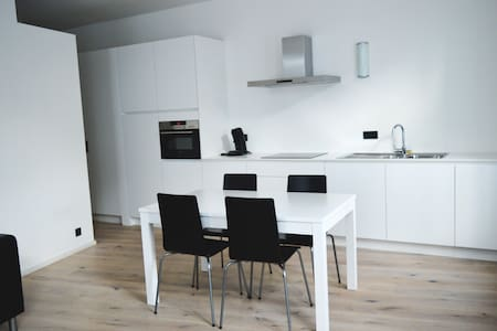 Charming City Centre Apartment - Antwerpia