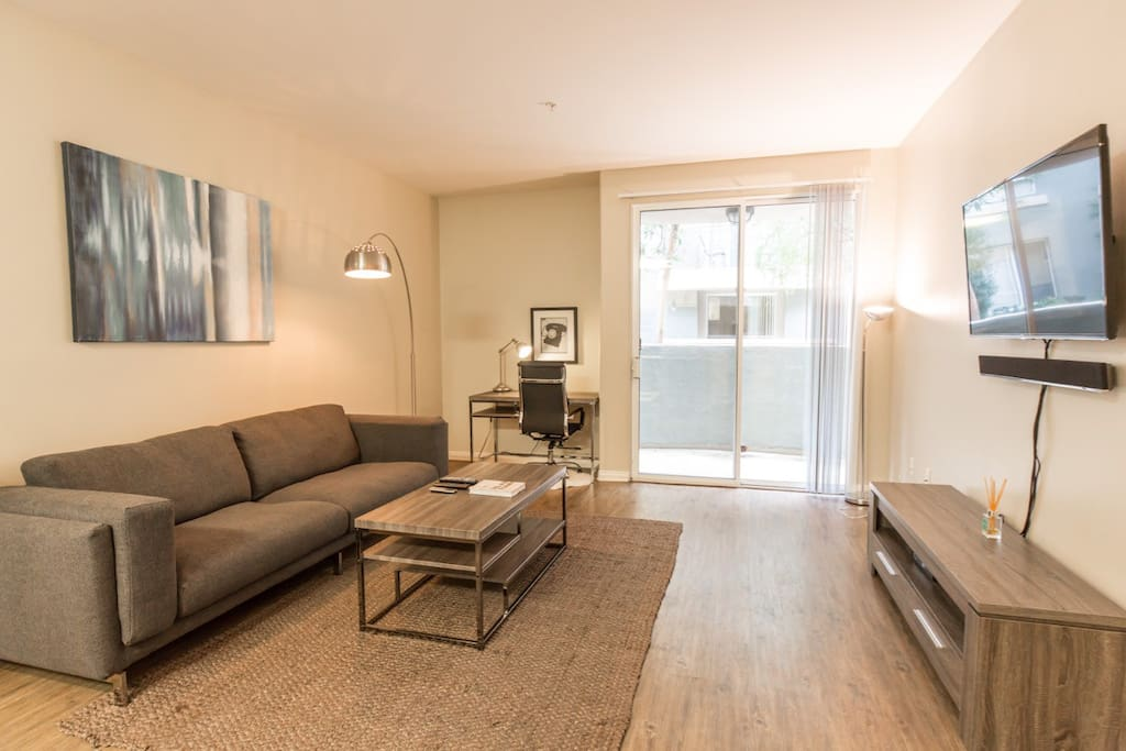 Welcome to your new home away from home in Marina del Rey!