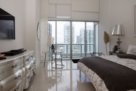 LUXERY ICON Floor28-40 - Miami