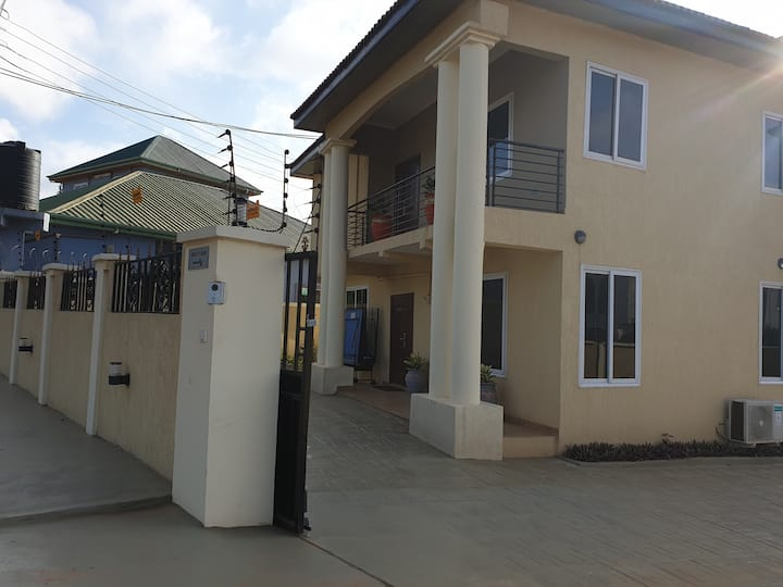 Newly built & furnished house in peaceful suburbs