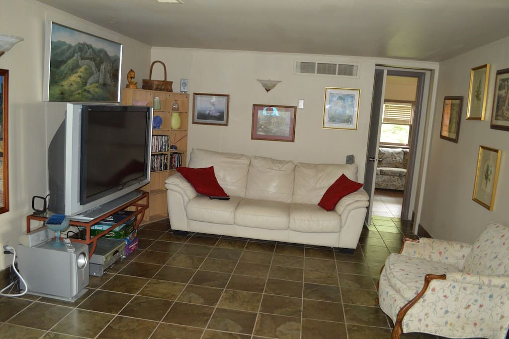 Hang out and enjoy comfy couches and Wifi, Tv, Films and Cable!