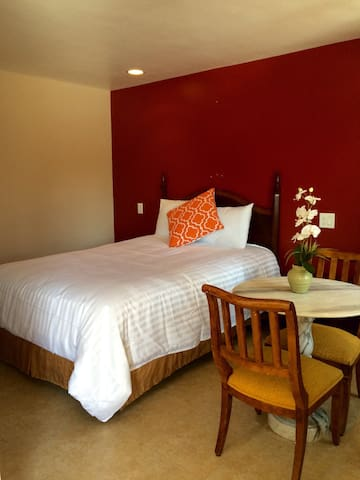 *NEW* Flamingo Motel Suite #111 - Lynwood - Appartement