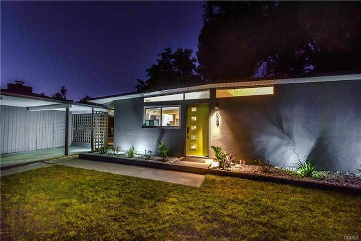 Mid-century modern in the middle of Central Coast