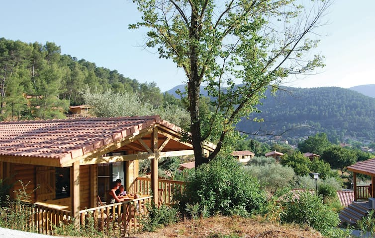 Holiday apartment with 2 bedrooms on 40m² in Solies-Toucas
