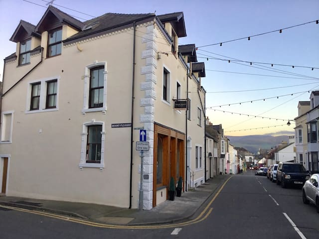 Centrally Located Ground Floor Studio in Beaumaris