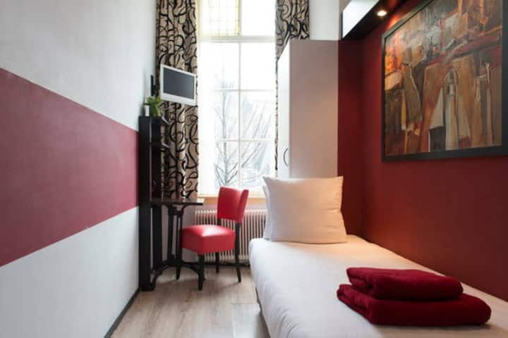 Hotel in the heart of Amsterdam, Single room