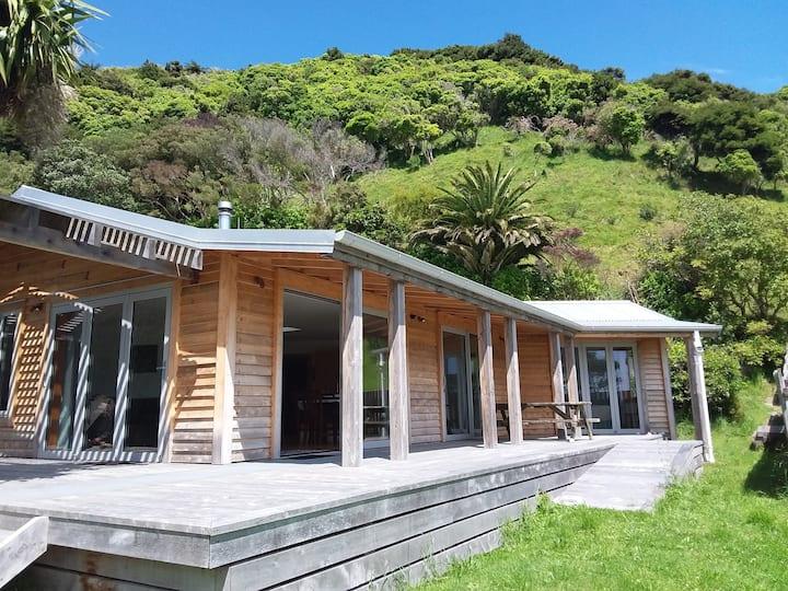 Wainui Bay Getaway- near Abel Tasman National Park