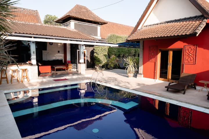 Villa Yati Seminyak contact for $$  if more then 2