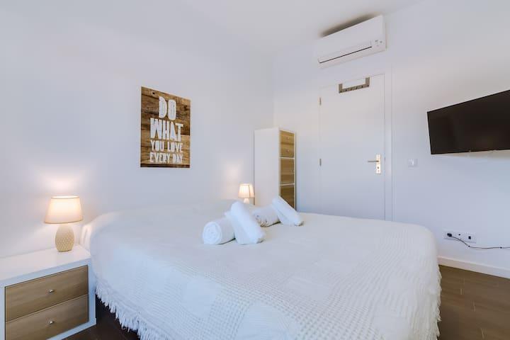 Janya Room! Exclusivity & Best Location in Faro