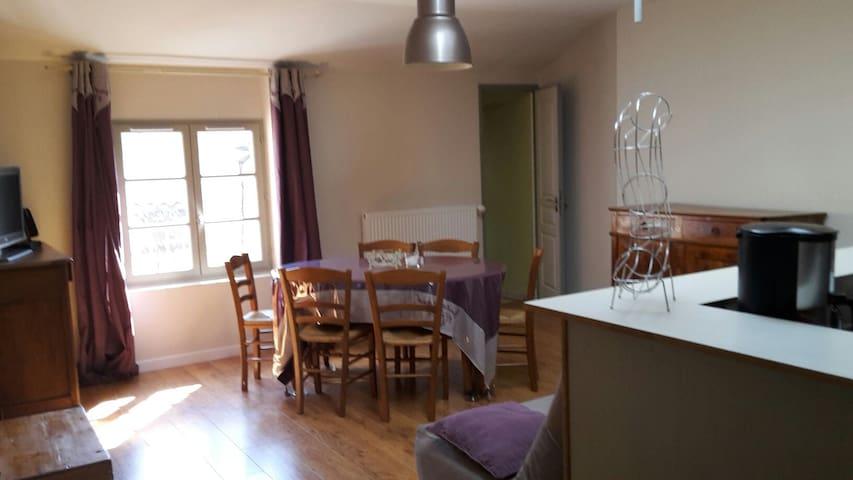 COSY'APPART - Champeix, Auvergne-Rhône-Alpes, FR - Wohnung