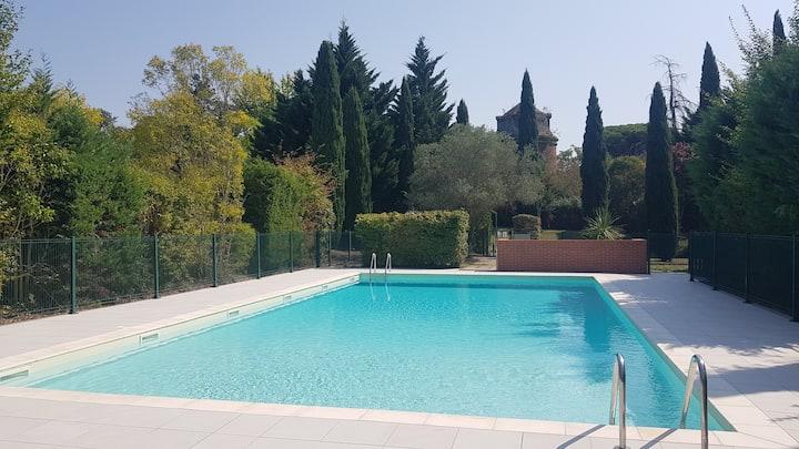 Bel appartement T2 avec terrasse et piscine