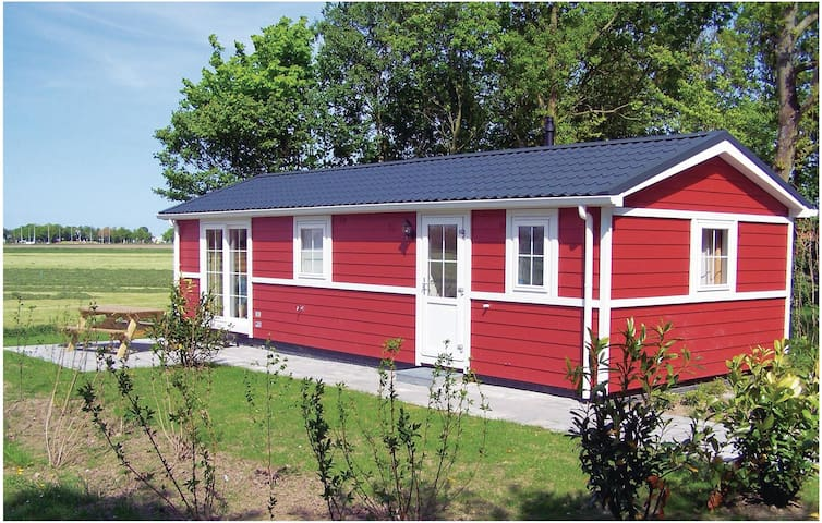 Holiday cottage with 2 bedrooms on 48 m² in Den Oever