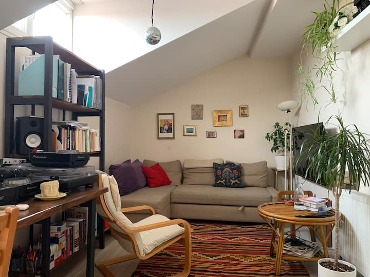 Cosy Room in a Terrace Apartment