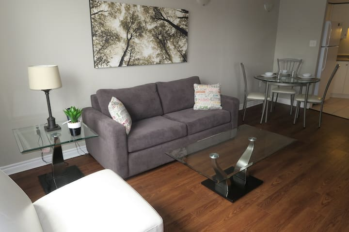 Downtown Halifax - Walking Distance to Hospitals,  Self Serve Check In