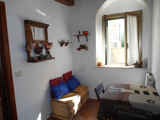 Sarteano (Siena), monolocale carino - Sarteano - อพาร์ทเมนท์