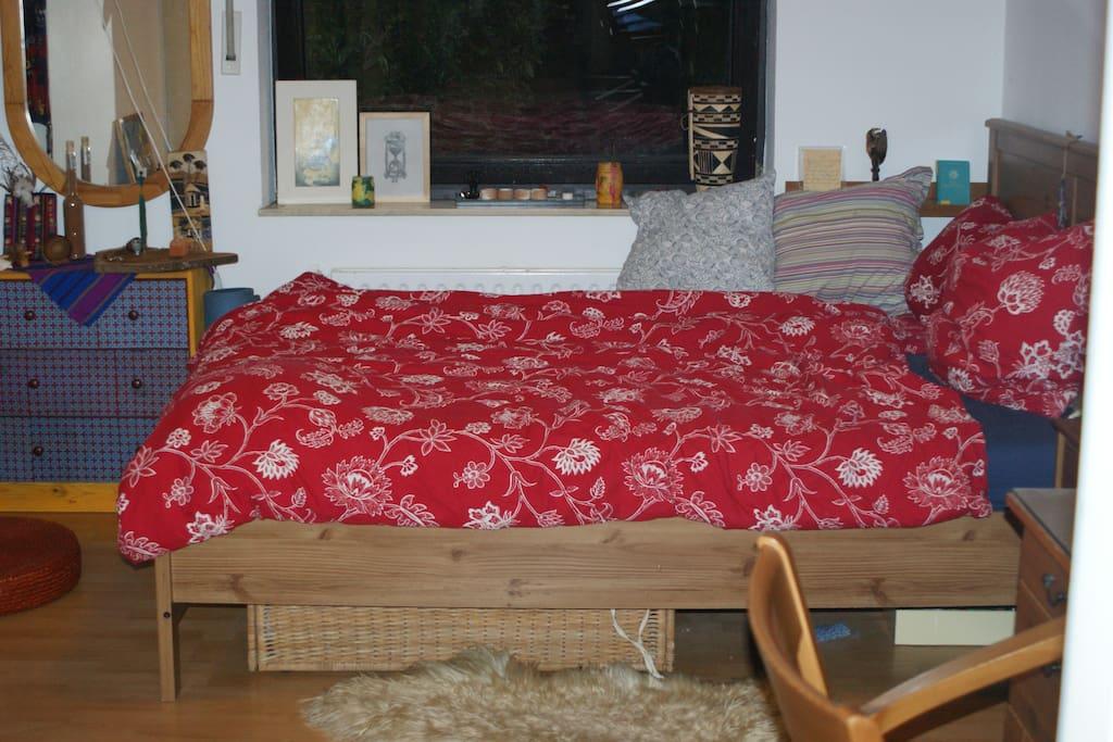 helles ruhiges terrassen zimmer wohnungen zur miete in k ln nordrhein westfalen deutschland. Black Bedroom Furniture Sets. Home Design Ideas