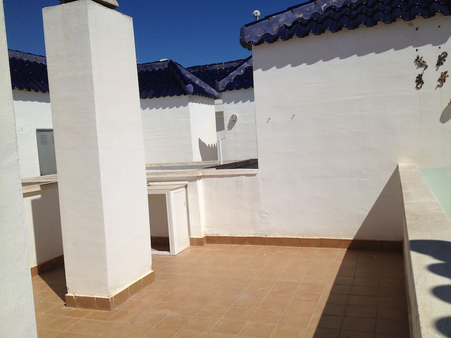 Large private roof terrace, gets the sun all day