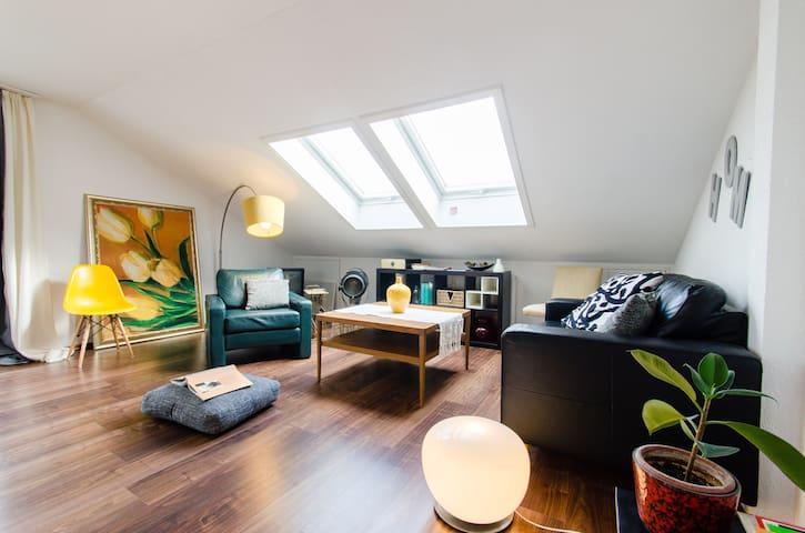 central Sunny&Modern 3brApt. parkin - Stuttgart - Apartamento