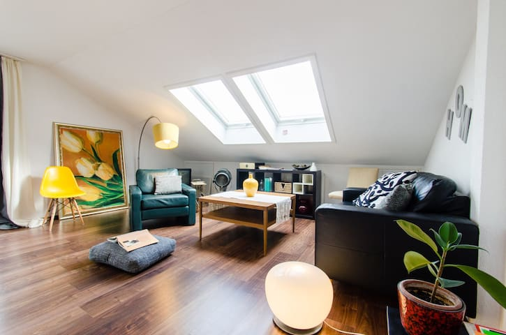 central Sunny&Modern 3brApt. parkin - Stuttgart - Apartment