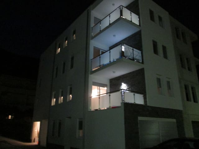 Apartments Lara, sea view, Makarska Riviera - Drvenik