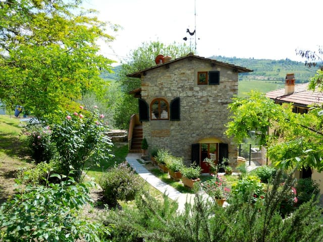 La Casina, in Tuscany countryside - Pelago - Huis
