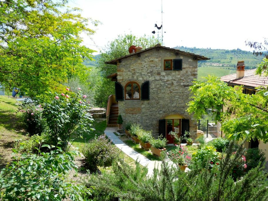 La casina in tuscany countryside houses for rent in for Rent a house in tuscany