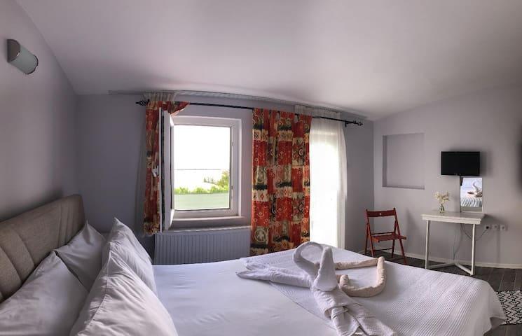 Denize Sıfır - 4 Oda Butik Otel